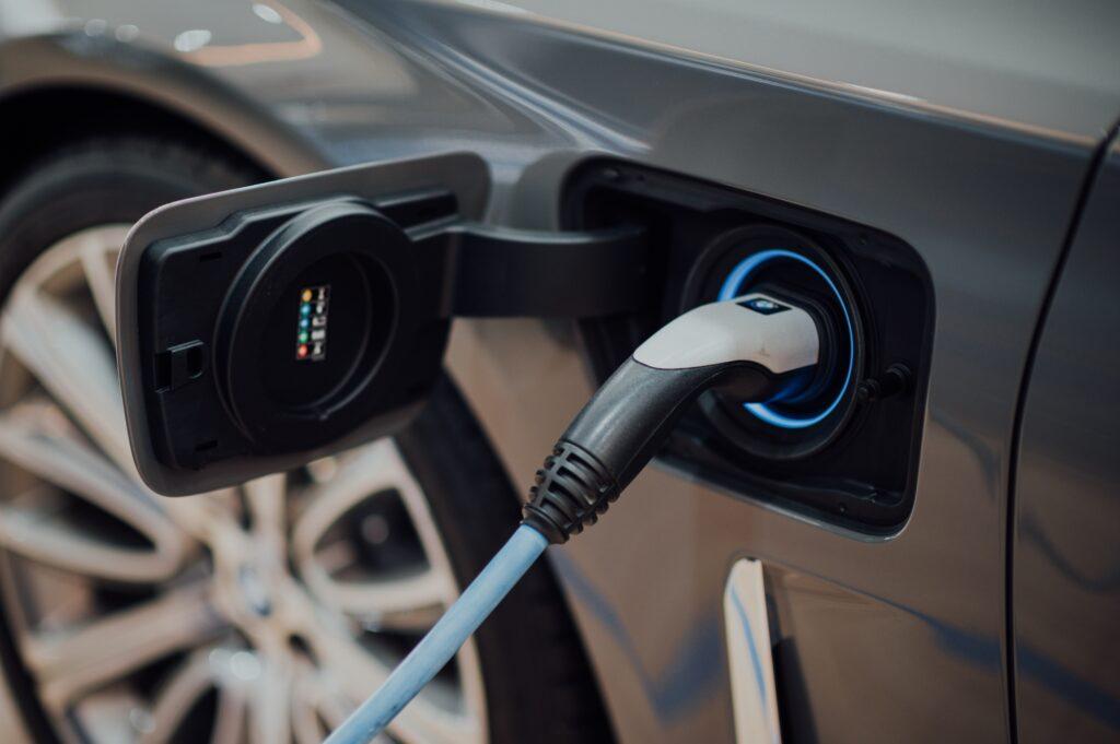 auta elektryczne a fotowoltaika